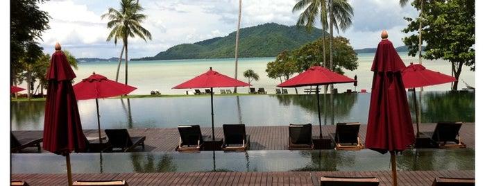 The VIJITT Resort Phuket is one of Tempat yang Disukai Gordon.