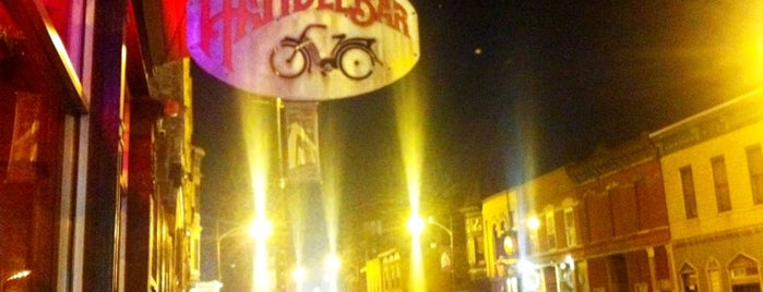 Handlebar is one of Wicker Park.