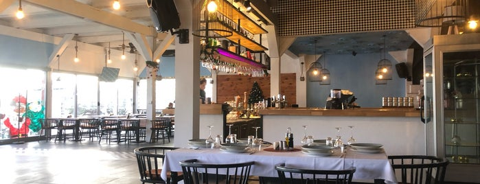 Porto Gusto Restaurant & Beach is one of Anastasia 님이 좋아한 장소.