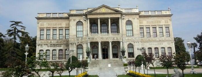Dolmabahçe Sarayı is one of SÜRÜCÜ KURSU http://www.ozsagyildirim.com/.
