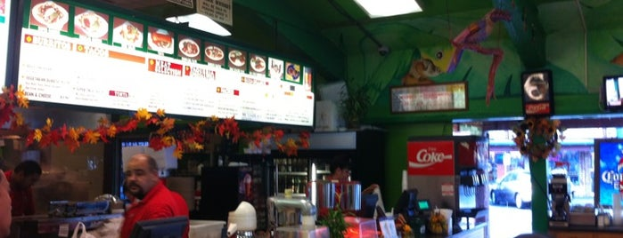 Taqueria Los Pericos is one of Locais curtidos por G.D..