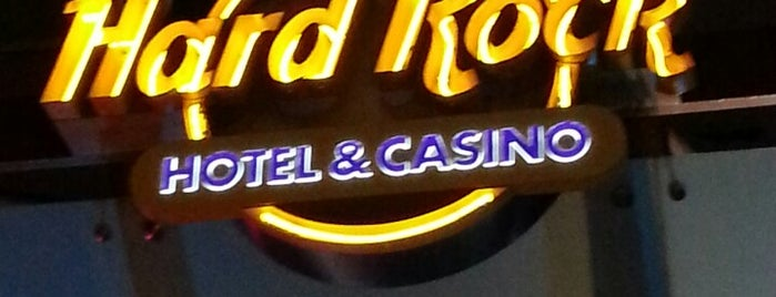 Seminole Hard Rock Hotel & Casino is one of Tammy's Liked Places.