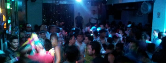 ChillOUT Club is one of Discos de Valencia.