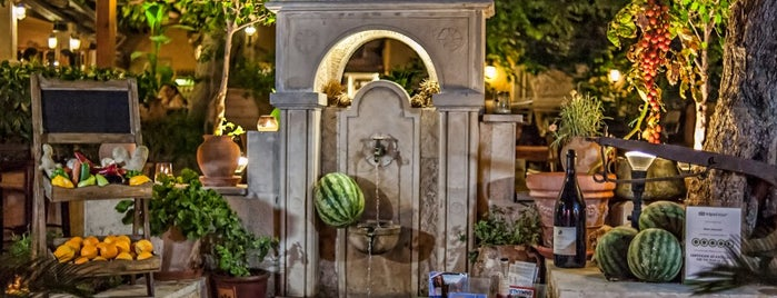 Alana Restaurant is one of Holidaying in Crete.