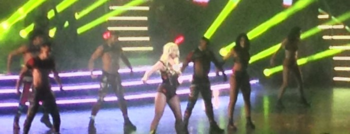 Britney: Piece Of Me is one of Orte, die Emily gefallen.
