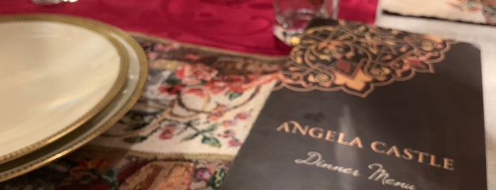 Angela Castle is one of Metin'in Kaydettiği Mekanlar.