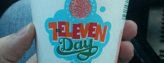 7-Eleven is one of Orte, die Anthony gefallen.