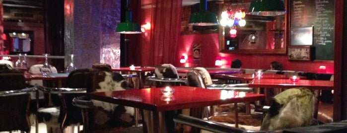 Moll Vell Restaurant is one of Tempat yang Disukai Eva.