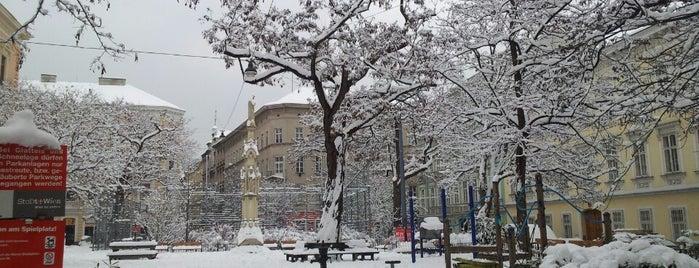 Henriettenplatz is one of L Rest.