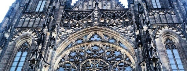 Katedrála sv. Víta | Saint Vitus' Cathedral is one of สถานที่ที่ Carl ถูกใจ.