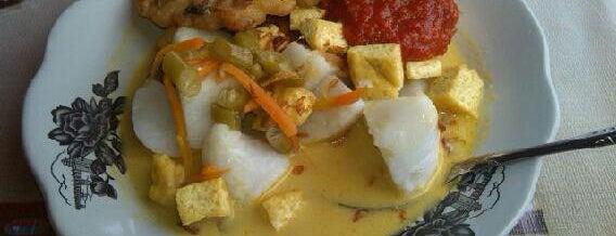 Nasi Uduk Ibu Reni is one of Foodie women.