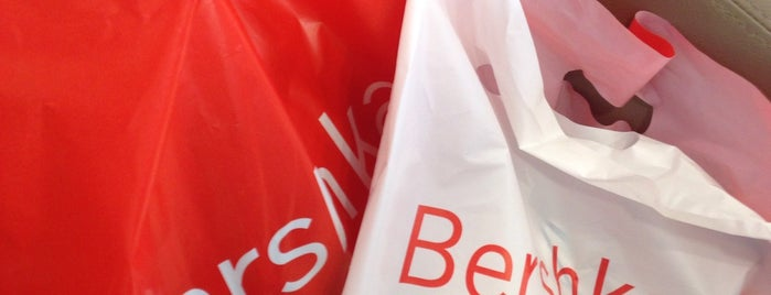 Bershka is one of Marta's Liked Places.