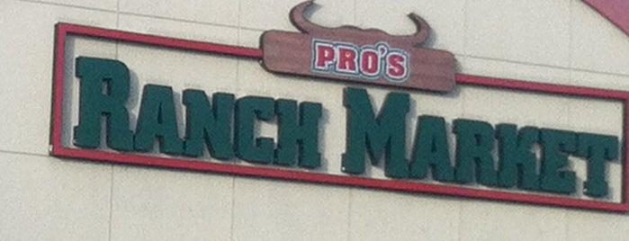 Los Altos Ranch Markets is one of Locais curtidos por Andy.