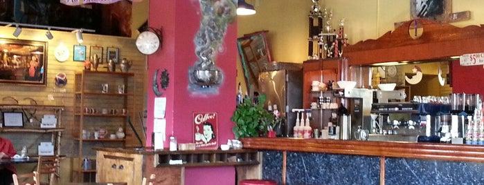 Coco Moon Coffee Shop is one of Locais salvos de Emily.