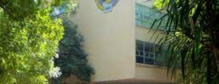 Escuela Superior De Medicina - ESM is one of Tempat yang Disukai Osiris.