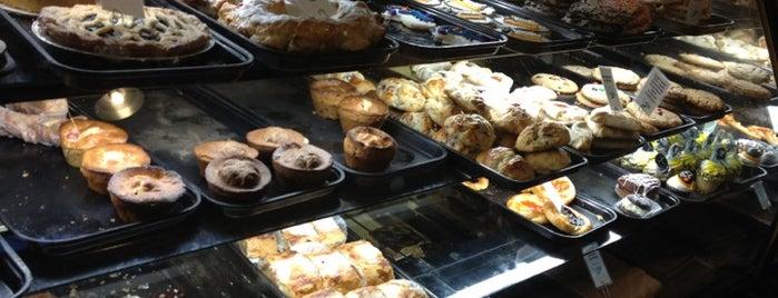 Prantl's Bakery - Market Square is one of Tempat yang Disukai Jackie.