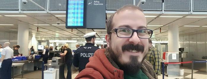 Sicherheitskontrolle | Security Check is one of Tolga : понравившиеся места.