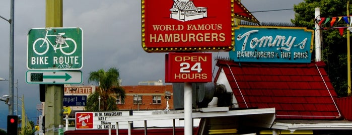Original Tommy's Hamburgers is one of Andyさんのお気に入りスポット.