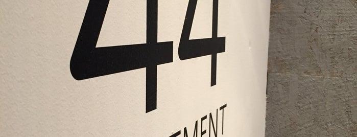 44 APARTMENT is one of Allpress Espressoなコーヒースタンド&カフェ.