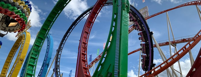 Olympia Looping is one of Favorite Arts & Entertainment.