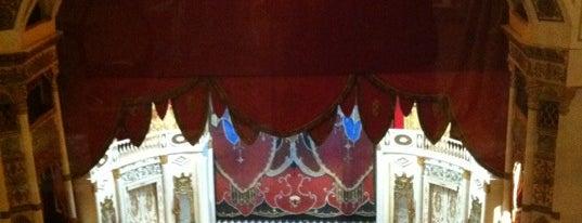 Санкт-Петербургский государственный музей театрального и музыкального искусства is one of Dmitry'in Beğendiği Mekanlar.