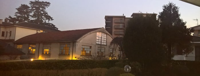 Mariano Comense is one of สถานที่ที่ Valeria ถูกใจ.