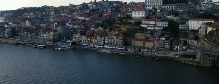 Jardim do Morro is one of Hello Porto.