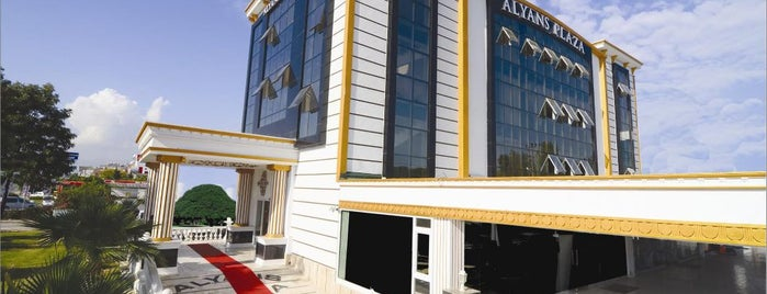 Alyans Plaza is one of Lugares guardados de Yasemin Arzu.