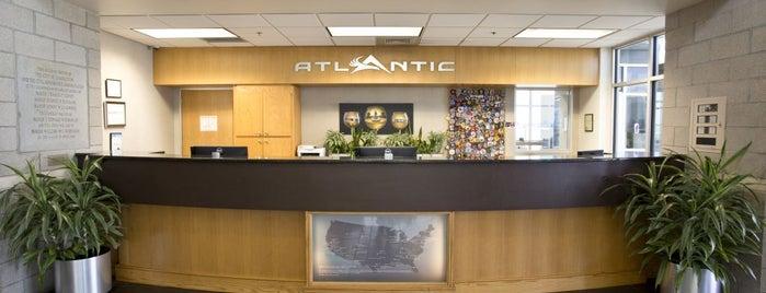 Atlantic Aviation (CHS) is one of Chris'in Beğendiği Mekanlar.