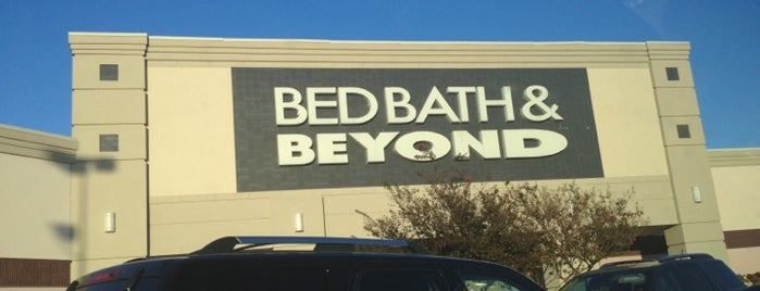 Bed Bath & Beyond is one of Lieux qui ont plu à ESTHER.