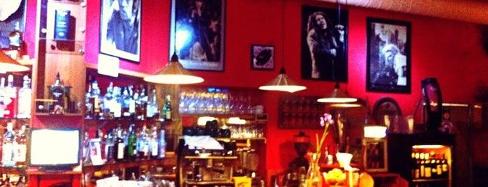 Blues Rock Café is one of Tempat yang Disukai Vratislav.