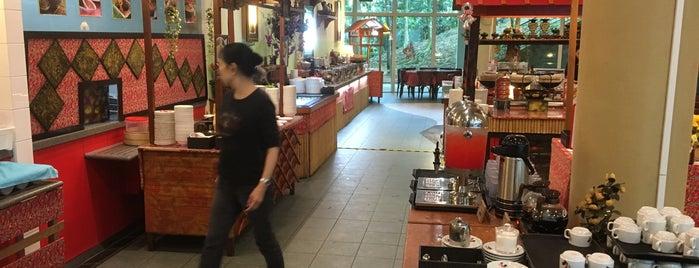 Chilli Padi Nonya Cafe is one of Posti salvati di Joyce.