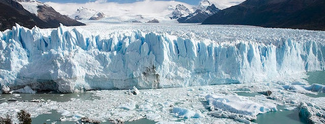 Perito Moreno is one of Lugares favoritos de Jimmy.