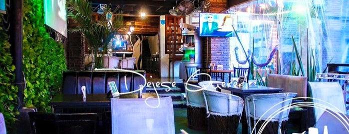 La Santa Kitchen Bar is one of [To-do] Monterrey.
