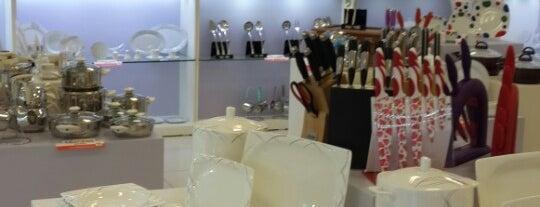 Nuans Porselen is one of Locais curtidos por TumhaM.