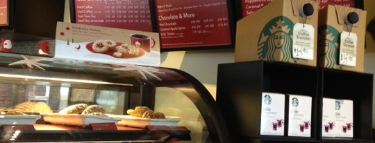 Starbucks is one of Lugares favoritos de Jason.