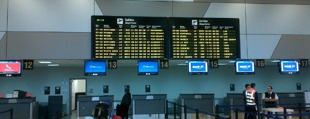 Aeropuerto Internacional Jorge Chávez (LIM) is one of สนามบินนานาชาติ (1).
