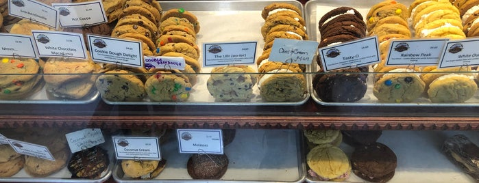 Mountain Top Cookie Shop is one of Breckenridge.