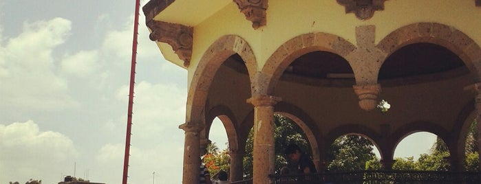 Jardín Hidalgo is one of Locais curtidos por GloPau.