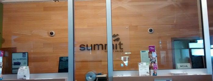 Summit Credit Union is one of Lieux qui ont plu à Jennifer.