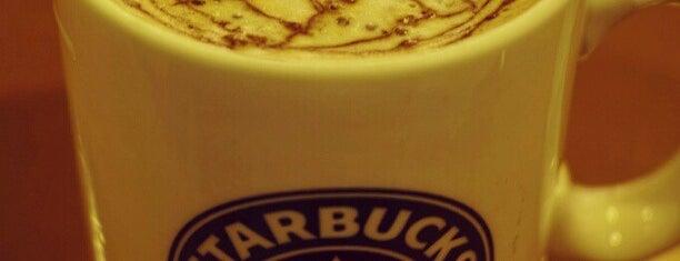 Starbucks is one of Lieux qui ont plu à Mia.