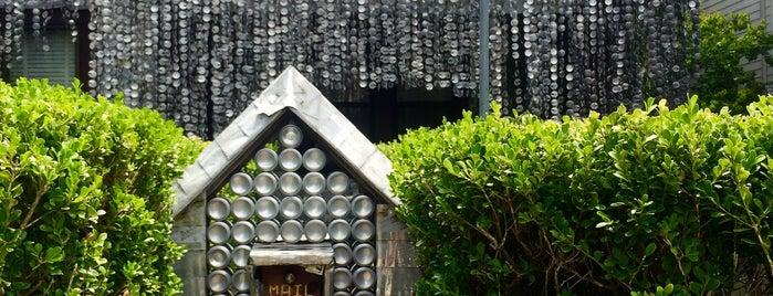 Beer Can House is one of Orte, die Natalie gefallen.