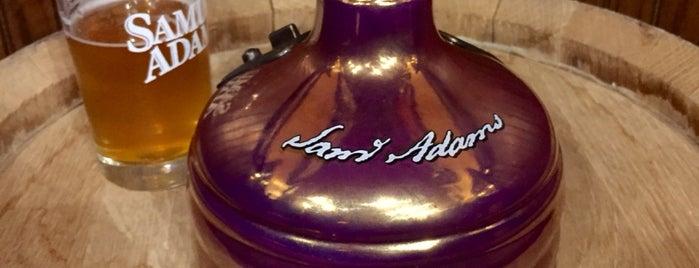 Samuel Adams Brewery is one of Orte, die Natalie gefallen.
