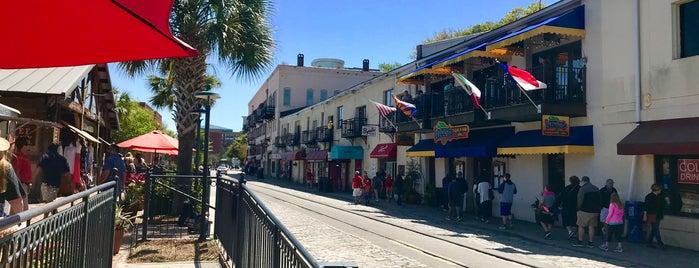 Savannah Riverfront is one of Natalie 님이 좋아한 장소.
