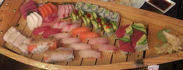 Mitoushi Sushi is one of Tempat yang Disukai Adam.