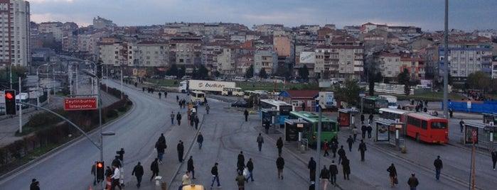 İETT Zeytinburnu Peronları is one of hakim'in Beğendiği Mekanlar.
