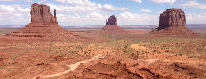 Monument Valley is one of USA Trip 2013.