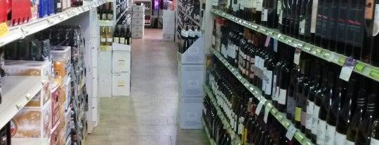 B&B Wines And Liquors is one of Brian'ın Beğendiği Mekanlar.