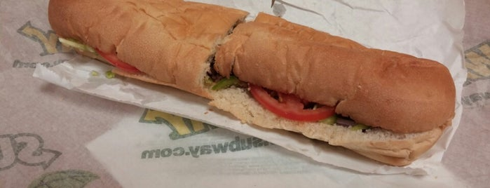 Subway is one of Franさんのお気に入りスポット.