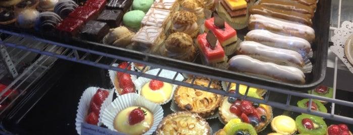 Cafe Vanille is one of Tempat yang Disimpan Amanda.